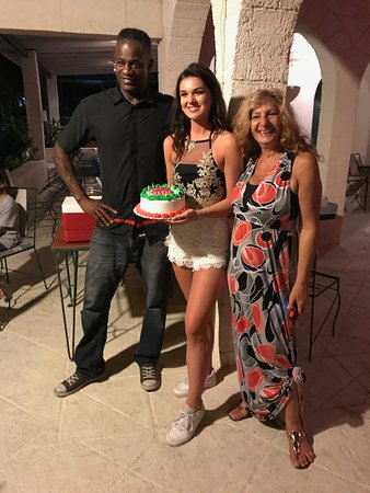 Lower Carlton, Barbados: Delia & Bird and Charlotte's cake