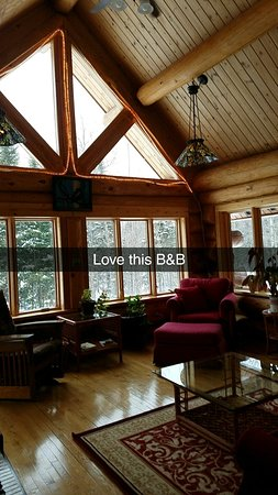 Superior Gateway Lodge Organic Bed and Breakfast: Snapchat-1200431843_large.jpg