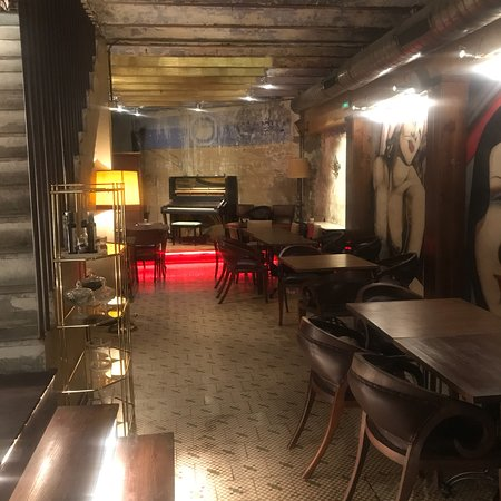 el faro industrial gastroclub castell n de la plana restaurant bewertungen telefonnummer. Black Bedroom Furniture Sets. Home Design Ideas