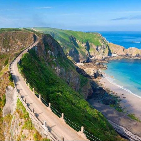 Sark, UK: La Coupee