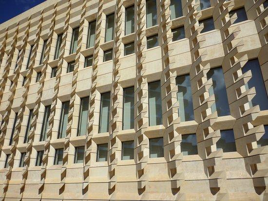 Nuovo parlamento picture of the new parliament valletta for Nuovo parlamento siciliano