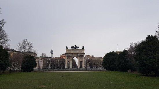 Arco della Pace : 20180225_133611_large.jpg