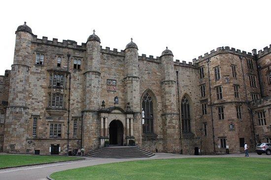 Durham, Durham Castle, entrance