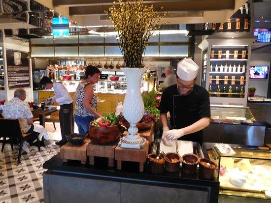 Sofitel Saigon Plaza : Breakfast buffet
