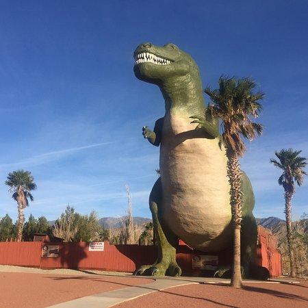 Cabazon Dinosaurs: photo1.jpg
