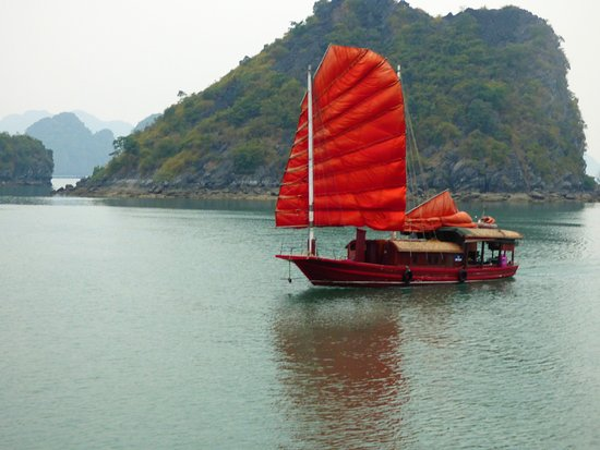Ethnic Travel Halong Bay Review