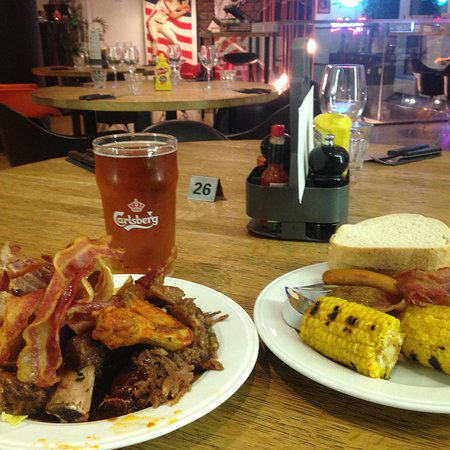 MAD - Modern American Diner: photo2.jpg