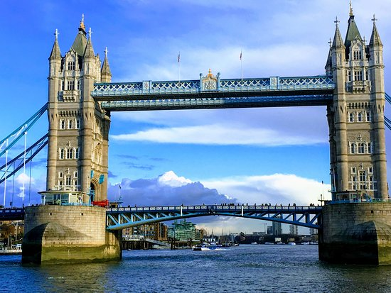 Westminster to Tower of London Hop-On-Hop-Off Cruise: Tower Bridge