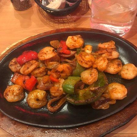 Texas Corral: Shrimp Fajitas