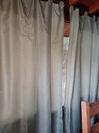 Cortinas del comedor - Picture of Estancia Laguna Vitel ...