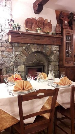 Pollein, Itália: inside of restaurant