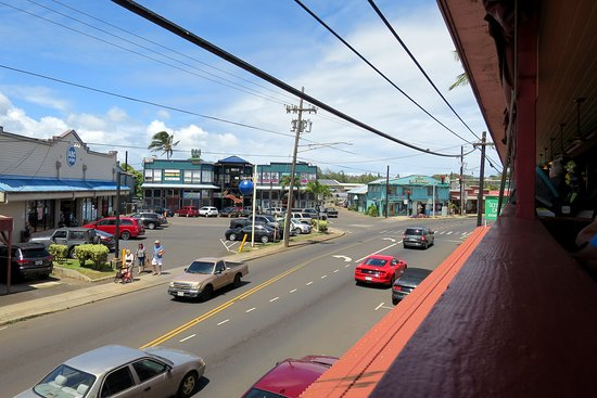 Olympic Cafe: Views of the main drag of Kapaa
