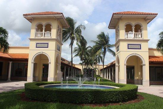 Florida Keys Premium Outlets: Entrada al outlet Florida Keys