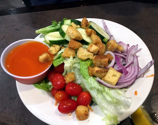 Glen Burnie, MD: Side salad with french dressing