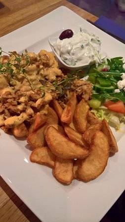 Djursholm, Swedia: Chicken gyros with wedges