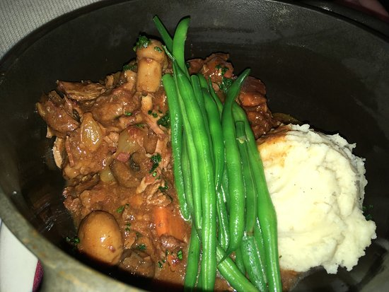Leunig's Bistro: Beef Bourguignon