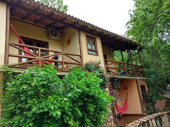Pousada Vila Serrano: Apartamento superiores com acesso pelo jardim interno
