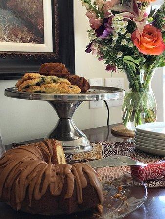 Saugatuck, ميتشجان: Delicious homemade pastries