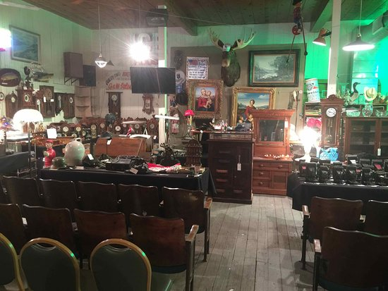 Lee's Summit, MO: The Icehouse offers first quality Antiques, Art and Artifacts at live Auction - Friday Nights