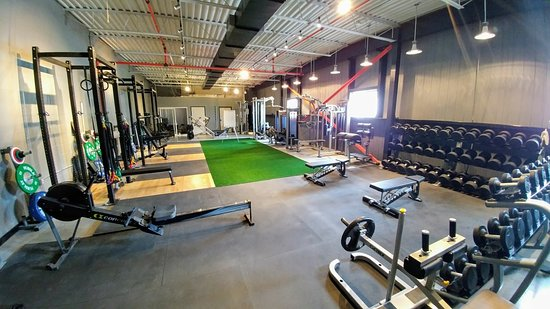 Kitchener, Canada: Full service, onsite gym for workouts