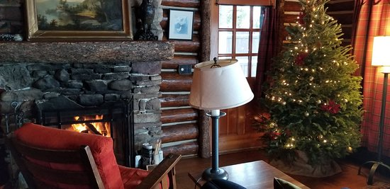 Lake Placid Lodge: Owl's Head Fireplace