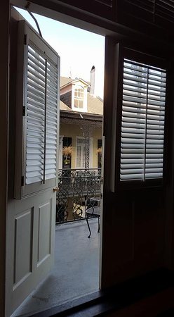 Bourbon Orleans Hotel: Looking out towards the balcony