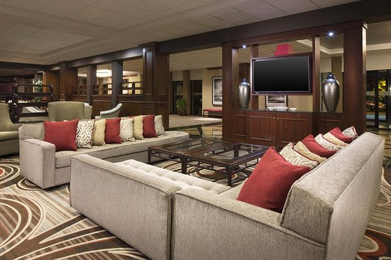 Sheraton Omaha Hotel: Lobby