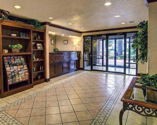 Hillsboro, TX: Lobby