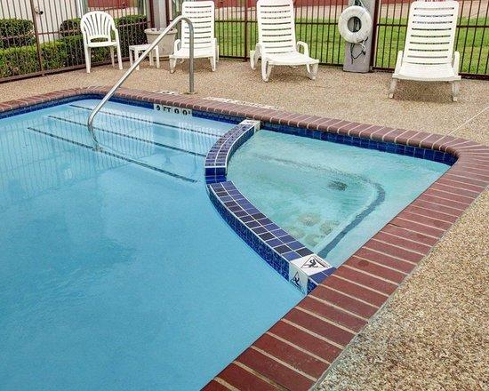 Hillsboro, TX: Pool