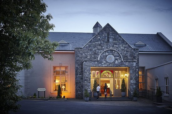 Ennis, Ierland: Exterior