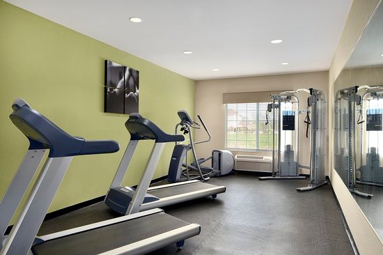 Country Inn & Suites by Radisson, Michigan City, IN: Health club