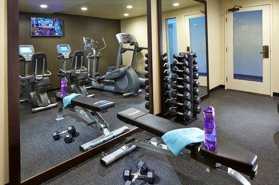 portofino inn suites anaheim hotel 129 1 6 8. Black Bedroom Furniture Sets. Home Design Ideas