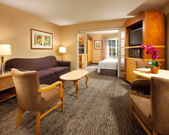 Portofino Inn Suites Anaheim Hotel Suite