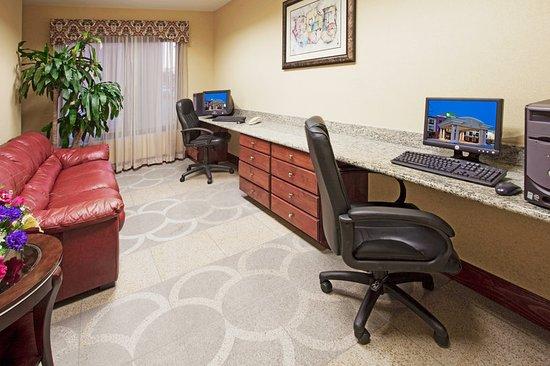 Sebring, FL: Property amenity