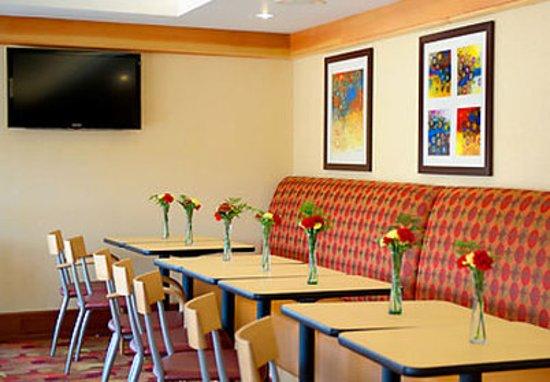 TownePlace Suites Scranton Wilkes-Barre: Lobby