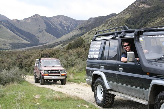 Waikari, Nouvelle-Zélande : Tag along in one of our vehicles