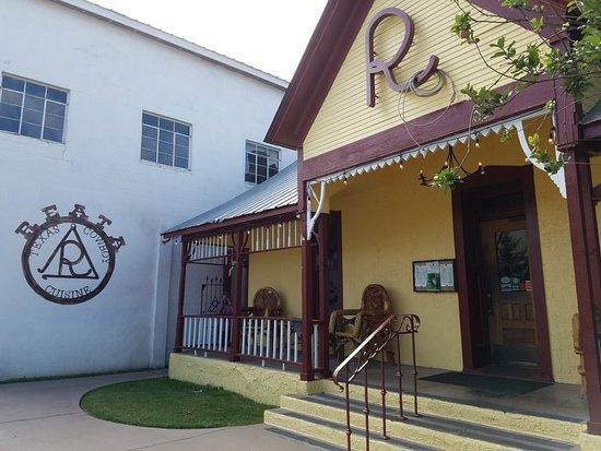 Alpine, TX: Restaurant