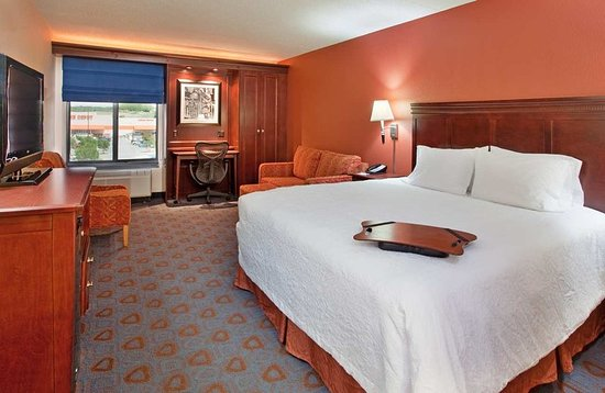 Hampton Inn Kansas City Liberty: Guest room