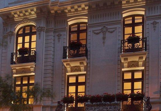 Algodon Mansion: Exterior