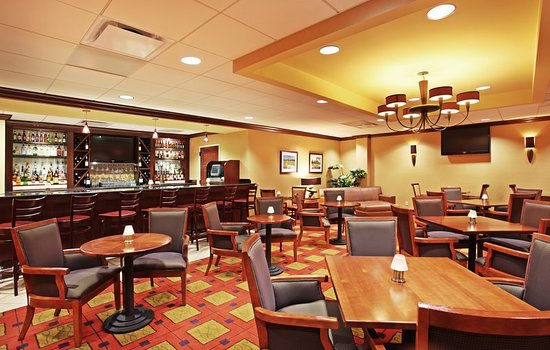 Holiday Inn-Asheville Biltmore West: Bar/Lounge