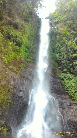 Gitgit Waterfall: P_20170828_103013_1_BF_p_large.jpg