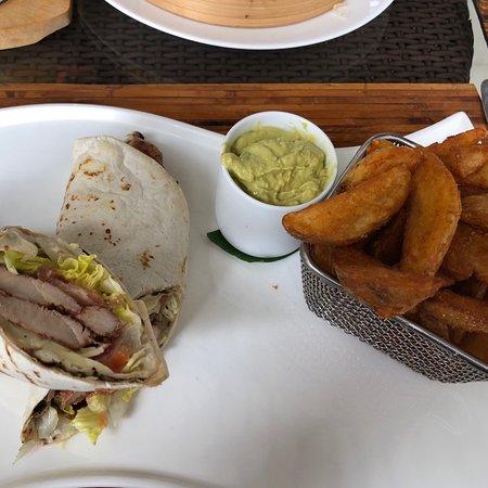 Dhevatara Dining: photo1.jpg
