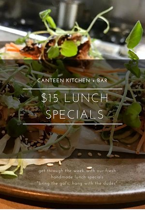 Coolum Beach, Αυστραλία: $15 Lunch Specials Monday-Friday