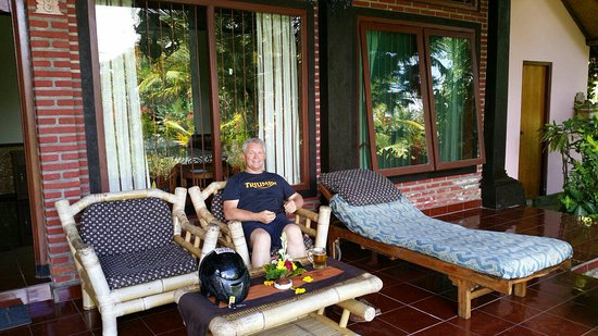 Relaxing on the verandah at Gerebig Bungalows