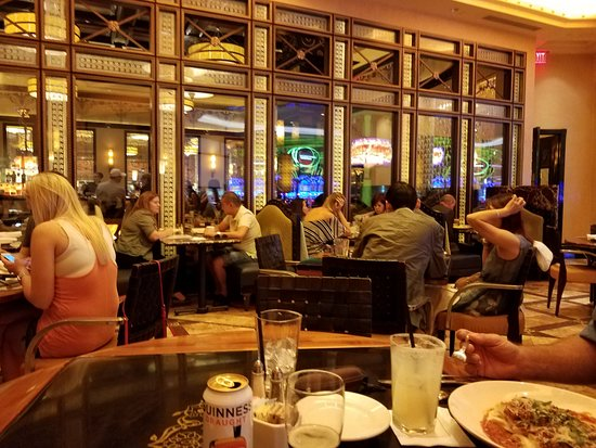 Grand Lux Cafe - patio - Picture of Grand Lux Cafe, Las