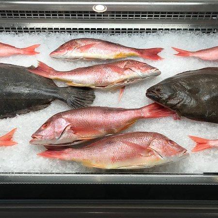 Safe harbor seafood market restaurant atlantic beach for Atlantic fish menu