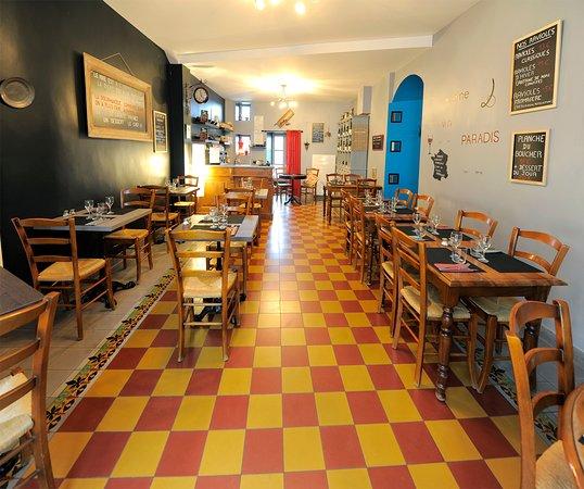 Le quartier dieulefit restaurant avis num ro de for Porte 12 tripadvisor