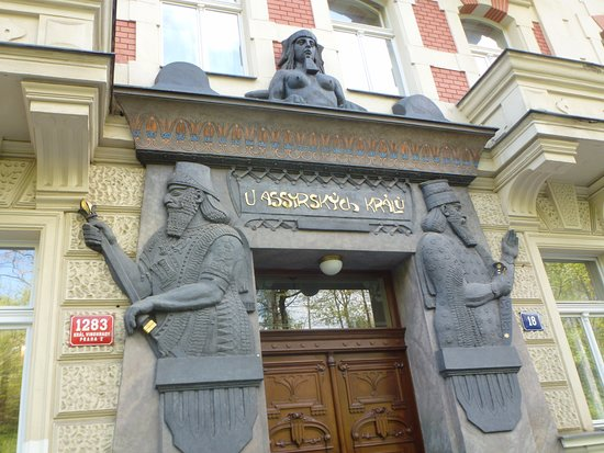 Polská 1283/18 - 'The Assyrian Kings'