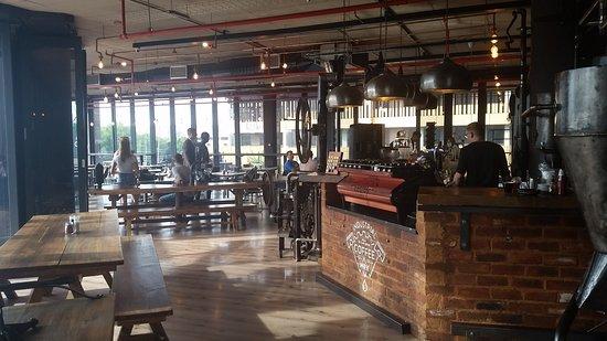 Centurion, Южная Африка: Interior bar and tables.