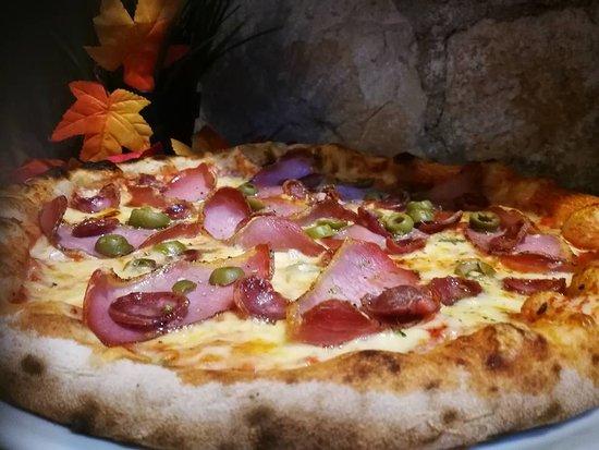 Svetvincenat, Kroatië: Domaca pizza